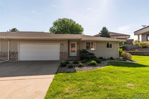 Ranch, Twin Home - Sioux Falls, SD (photo 1)