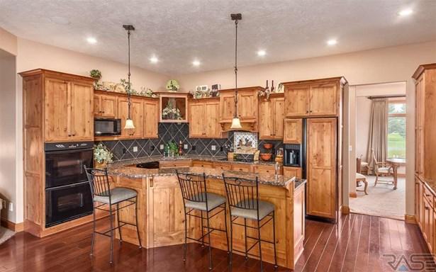 Ranch, Single Family - Harrisburg, SD (photo 4)
