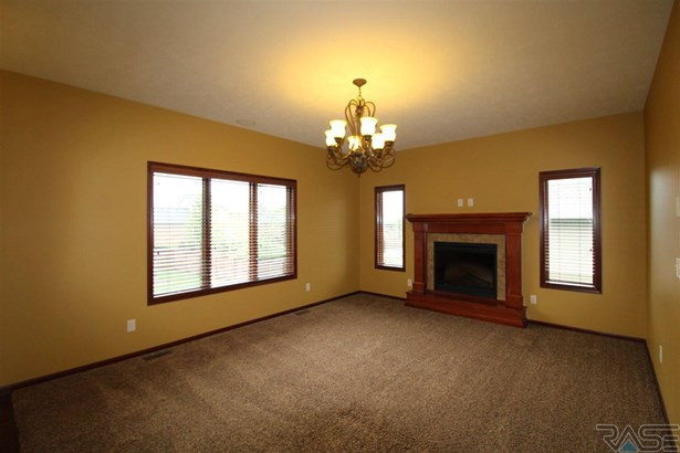 Two Story, Single Family - Sioux Falls, SD (photo 3)