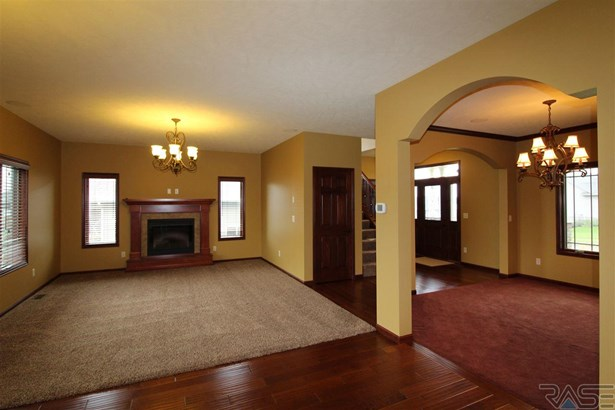 Two Story, Single Family - Sioux Falls, SD (photo 5)