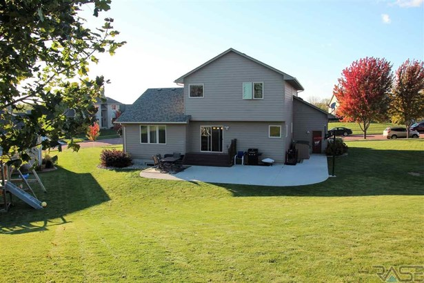Two Story, Single Family - Dell Rapids, SD (photo 5)