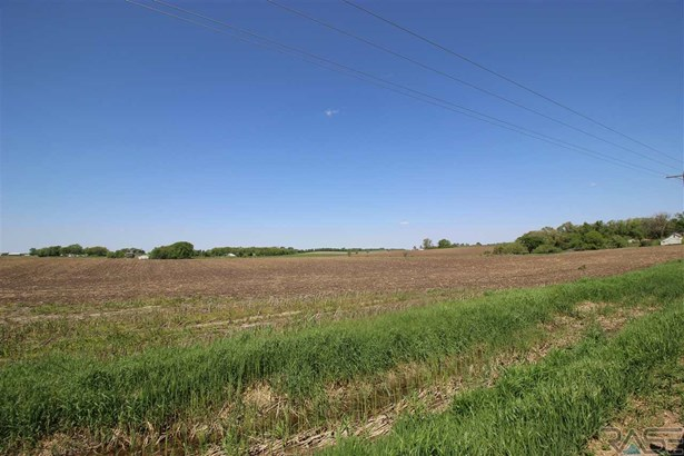 Resi Over 1 acre - Sioux Falls, SD (photo 4)