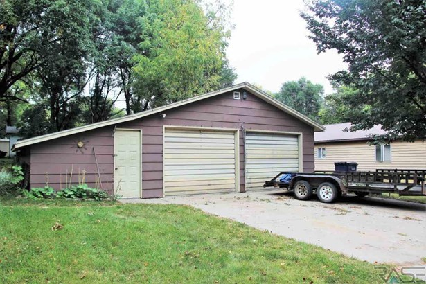 Two Story, Single Family - Dell Rapids, SD (photo 3)