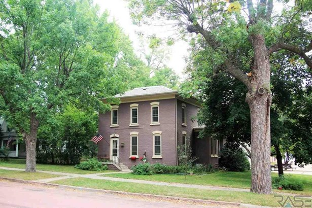 Two Story, Single Family - Dell Rapids, SD (photo 4)