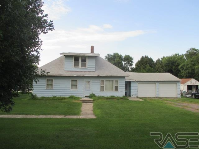 1.5 Story, Single Family - Valley Springs, SD