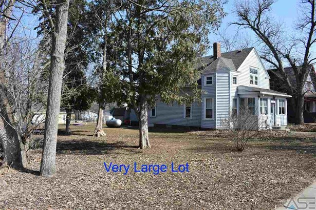 Two Story, Single Family - Valley Springs, SD (photo 2)