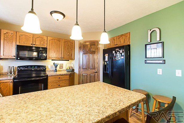 Condominium, Two Story - Sioux Falls, SD (photo 3)