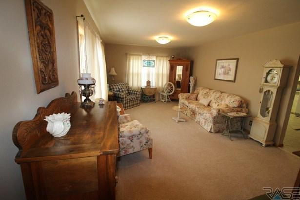 Ranch, Single Family - Hartford, SD (photo 4)