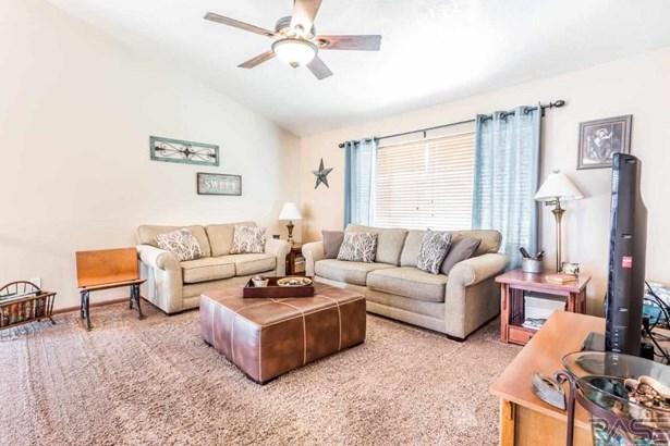 Multi Level, Single Family - Harrisburg, SD (photo 3)