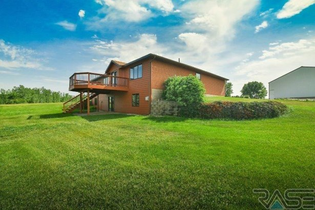 Ranch, Single Family - Madison, SD (photo 4)