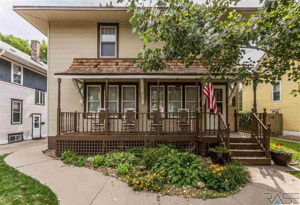 Two Story, Single Family - Sioux Falls, SD