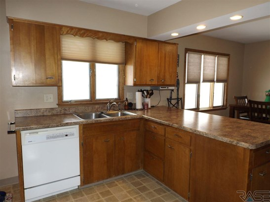 Multi Level, Single Family - Sioux Falls, SD (photo 3)