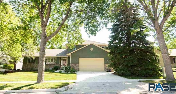 Multi Level, Single Family - Sioux Falls, SD