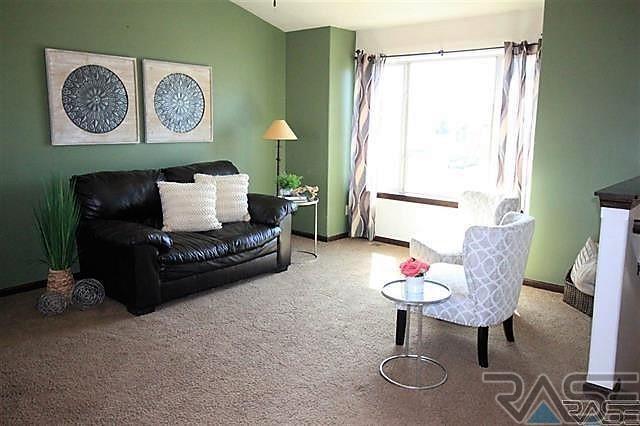 Split Foyer, Single Family - Harrisburg, SD (photo 5)