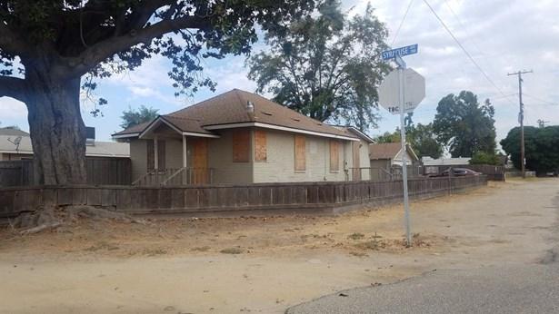 201 W Syracuse Ave, Turlock, CA - USA (photo 1)