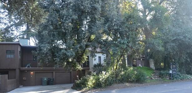 350 N Morton Blvd, Modesto, CA - USA (photo 1)