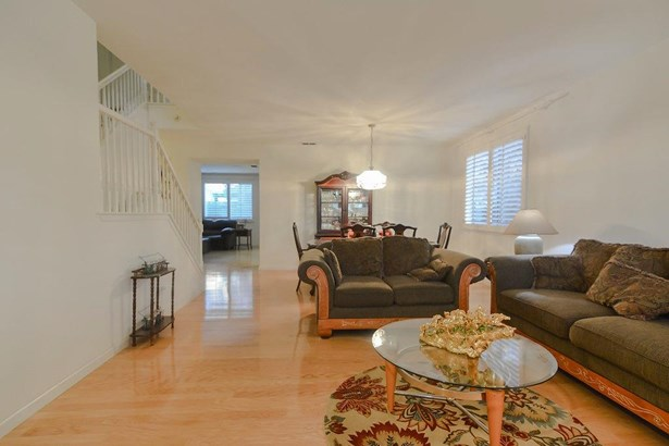 1190 Whispering Wind Dr, Tracy, CA - USA (photo 4)