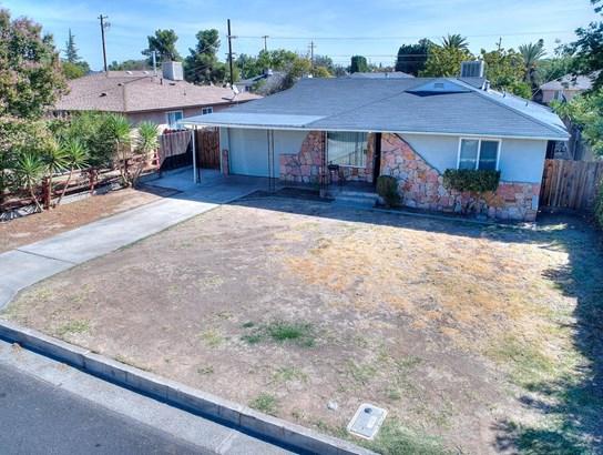 1321 Dellavalle Ave, Madera, CA - USA (photo 2)