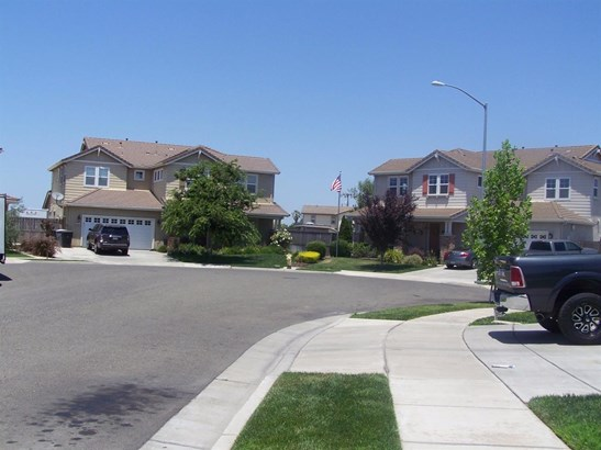 1990 Melissa Ct, Escalon, CA - USA (photo 2)