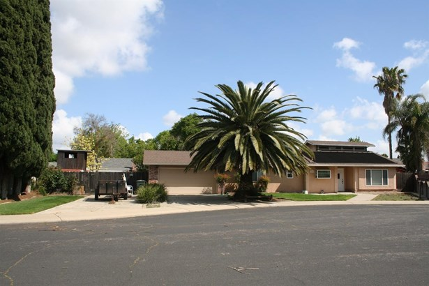 2305 Ridgeway Ct, Ceres, CA - USA (photo 3)