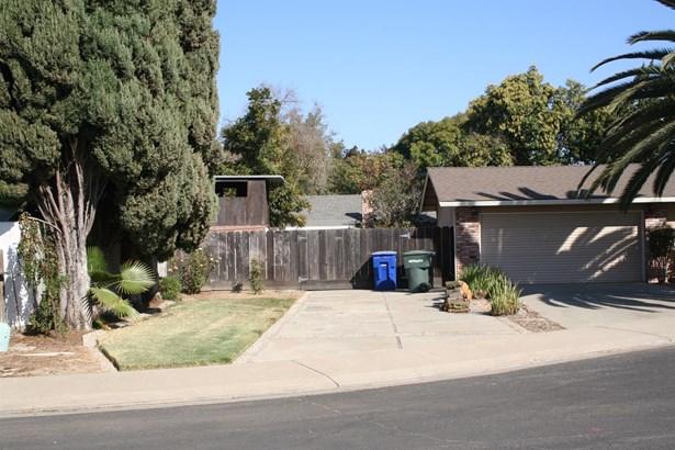 2305 Ridgeway Ct, Ceres, CA - USA (photo 4)