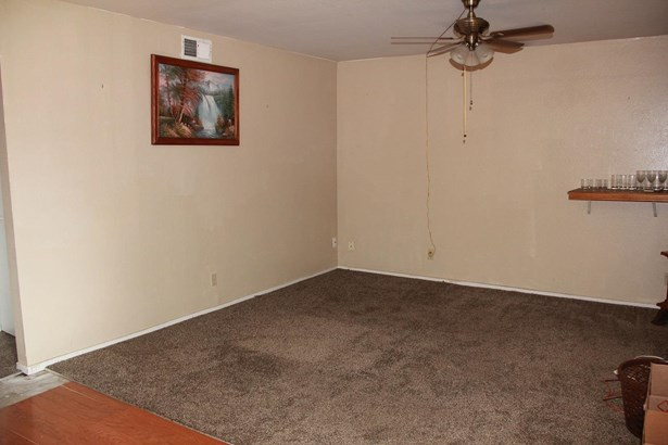 1315 Pinetree Dr, Stockton, CA - USA (photo 4)