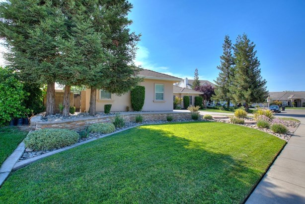1354 Merle Ct, Ripon, CA - USA (photo 3)