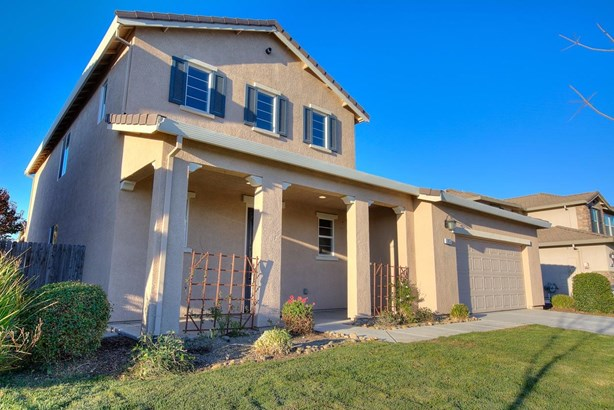 1035 Clearwater Creek Blvd, Manteca, CA - USA (photo 2)