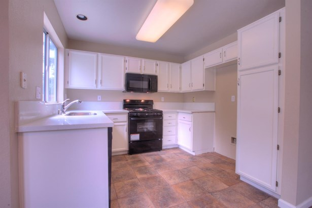 7006 La Costa Ct, Riverbank, CA - USA (photo 5)