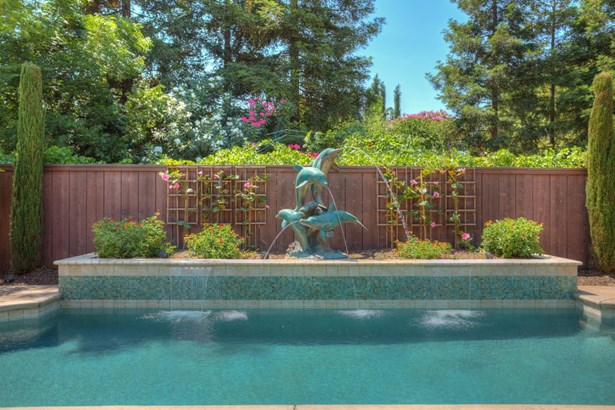1380 Burman Dr, Turlock, CA - USA (photo 2)