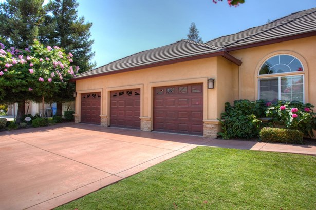 1380 Burman Dr, Turlock, CA - USA (photo 5)