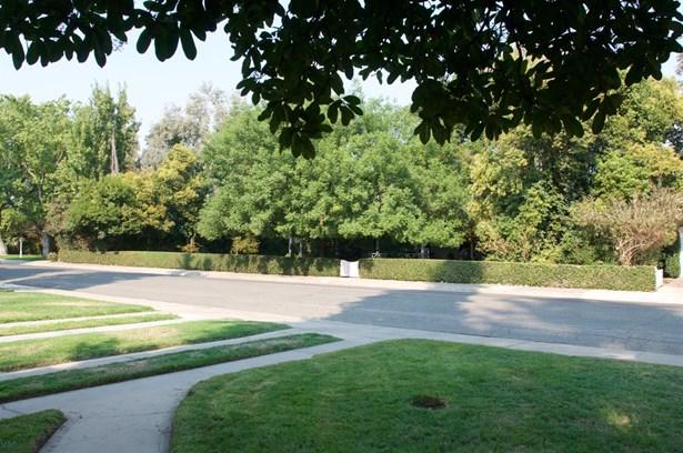 121 S Orange Ave, Lodi, CA - USA (photo 2)
