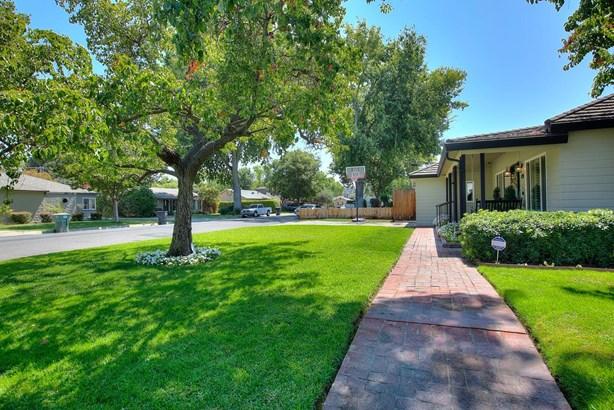 615 Hackberry Ave, Modesto, CA - USA (photo 3)