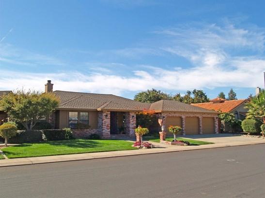 2412 Van Layden Way, Modesto, CA - USA (photo 2)