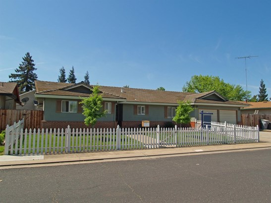 2261 Jordanollo St, Escalon, CA - USA (photo 2)