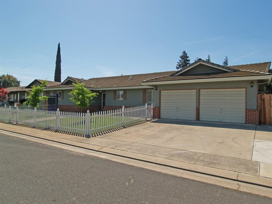 2261 Jordanollo St, Escalon, CA - USA (photo 3)