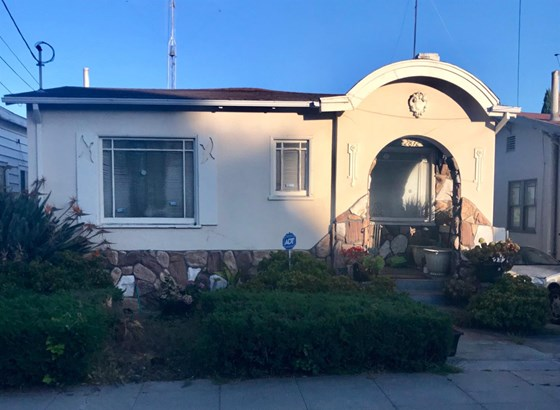 2872 Morcom Ave, Oakland, CA - USA (photo 1)