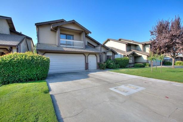 722 E Milgeo Ave, Ripon, CA - USA (photo 2)