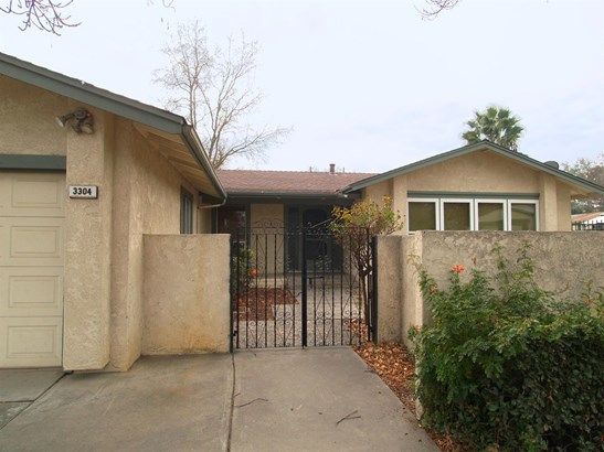 3304 Montclair Ct, Modesto, CA - USA (photo 2)
