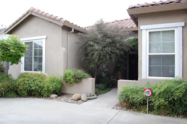 4626 Visions Dr, Turlock, CA - USA (photo 2)