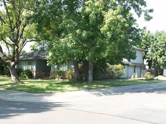 101 S Fairmont Ave, Lodi, CA - USA (photo 2)
