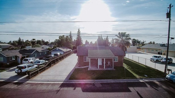 1329 Irwin Ave, Escalon, CA - USA (photo 2)