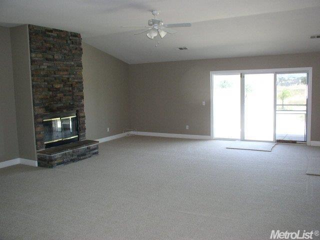 2221 Lakeview Cir, Valley Springs, CA - USA (photo 4)