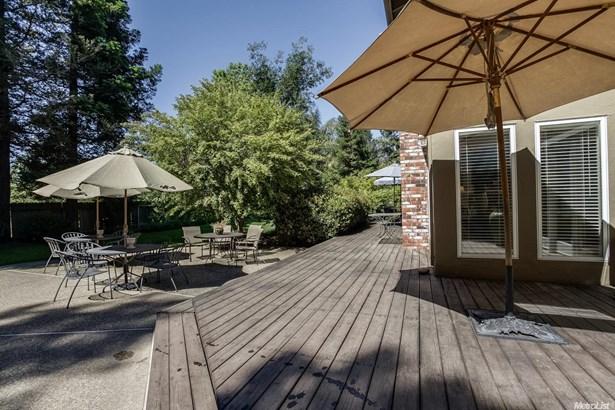 1000 Country Club Dr, Modesto, CA - USA (photo 4)