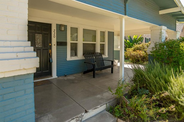 220 Virginia Ave, Modesto, CA - USA (photo 4)
