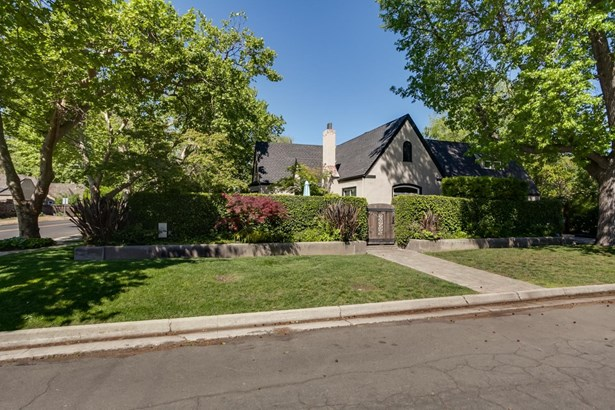 305 Griswold Ave, Modesto, CA - USA (photo 1)
