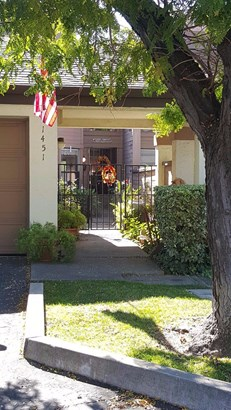 1451 W Swain Rd, Stockton, CA - USA (photo 3)