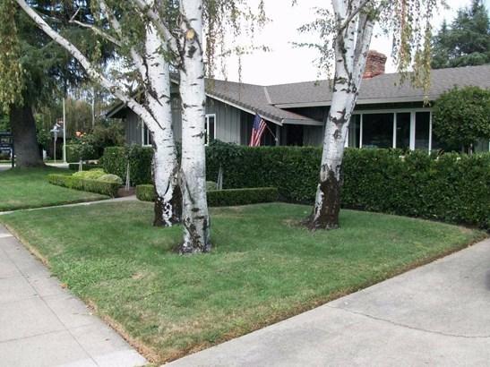 1011 W Elm St, Lodi, CA - USA (photo 2)