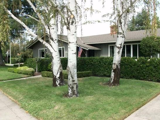 1011 W Elm St, Lodi, CA - USA (photo 3)