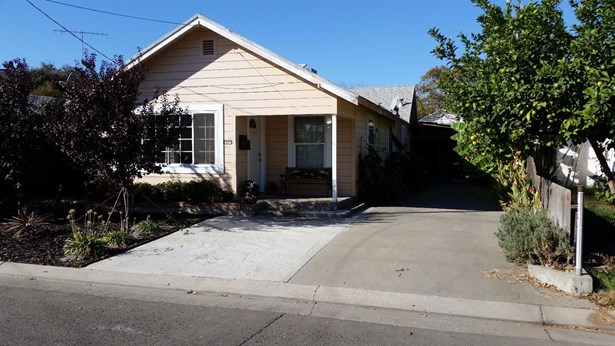 1541 Mitchell Ave, Escalon, CA - USA (photo 2)